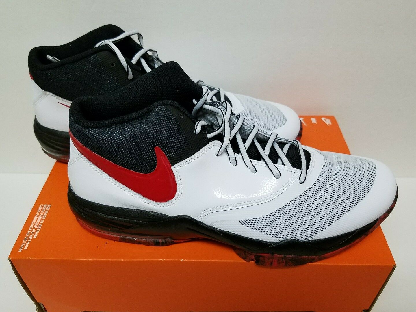 NIKE AIR MAX EMERGENT Size 10 & 11 WHITE/UNIVERISTY RED & BLACK 818954 102