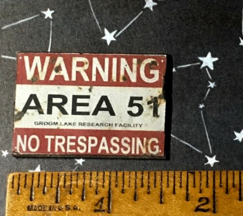 Vintage Dollhouse Miniature Halloween 1:12 Wood Area 51 Sign Alien Space S381