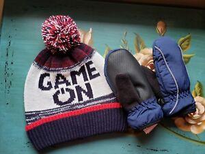 18519a27d6b NWOT Baby Gap BOYS Winter Set Navy Mittens M L   Game On Pom Hat S M ...