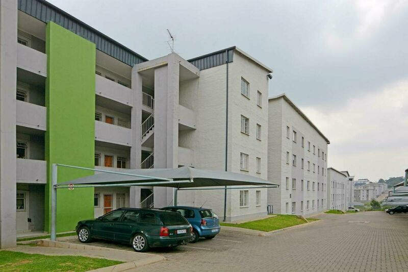 BEAUTIFUL APARTMENTS AT FLEURHOF - NO DEPOSIT & NO LEASE FEE REQUIRED!!