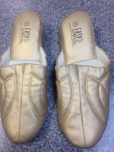 Nice Women Easy USA Slippers gold  Size 5  bedroom slippers