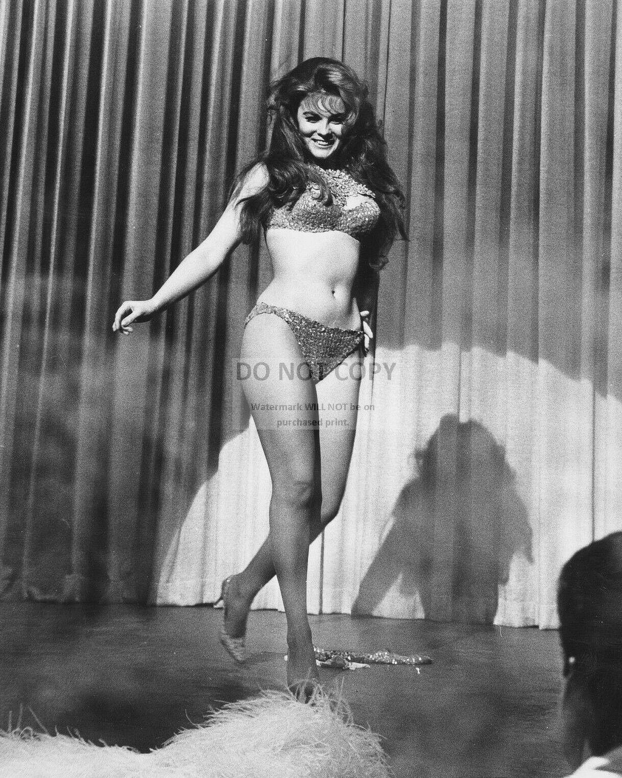 ACTRESS ANN-MARGRET PIN UP - 8X10 PUBLICITY PHOTO (SP124) 2