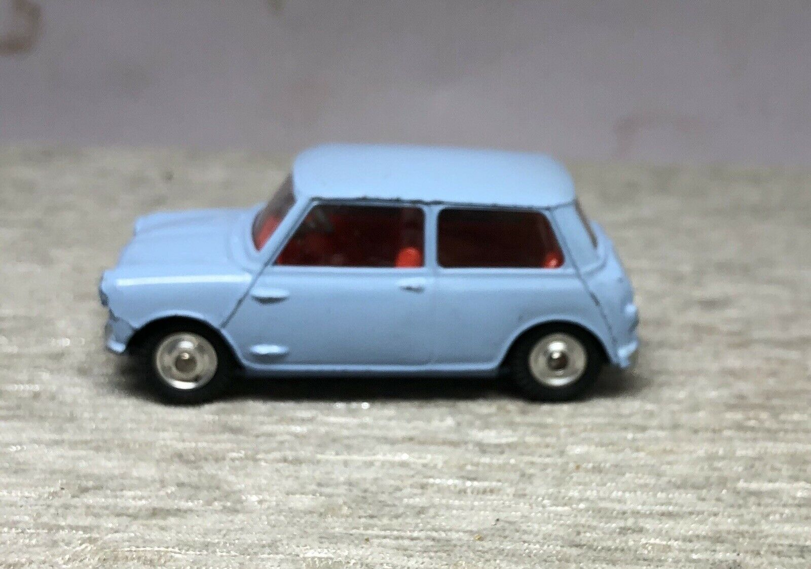 CORGI 226 BMC MORRIS MINI MINOR -1962 - ORIGINAL Very Clean CONDITION