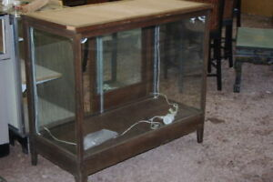 ANTIQUE-GENERAL-STORE-COUNTRY-DISPLAY-CASE-OAK-CABINET-VINTAGE-WAVY-GLASS