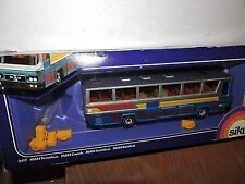 SIKU DIECAST 1/55TH SCALE M.A.N TOUR BUS (REISEBUS)& BAGS   #3417