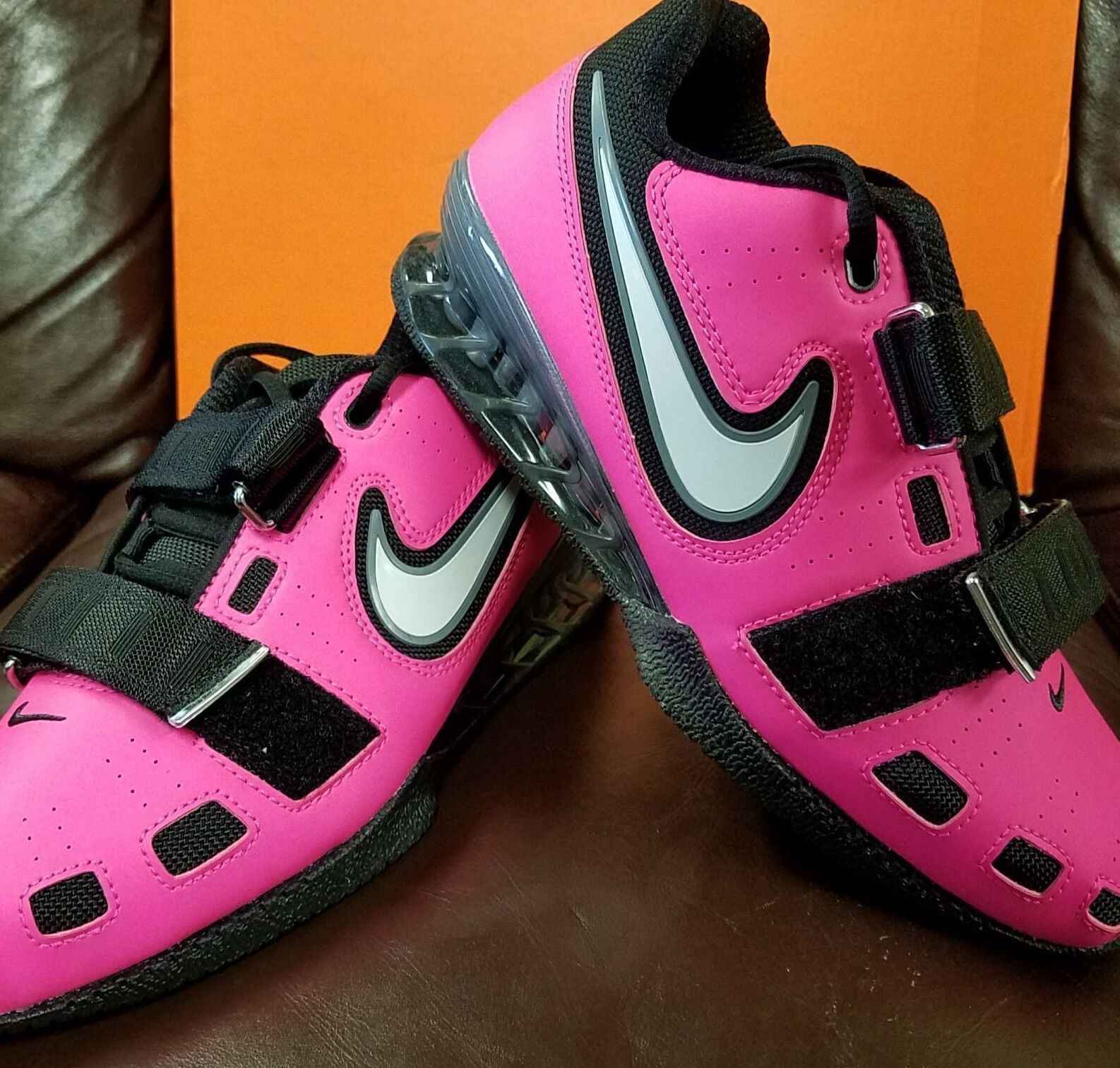 BRAND NEW IN BOX  NIKE ROMALEOS 2 MENS WEIGHTLIFTING SHOES PINK BLACK UNISEX 601