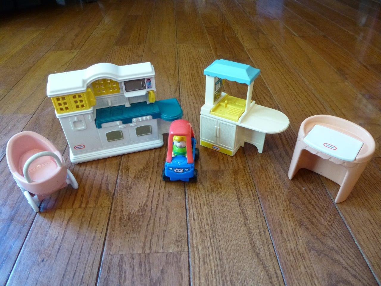 Little Tikes Dollhouse Furniture Furniture Furniture Kitchen Baby Stroller Car Vintage Vanity Tykes fa5c5c