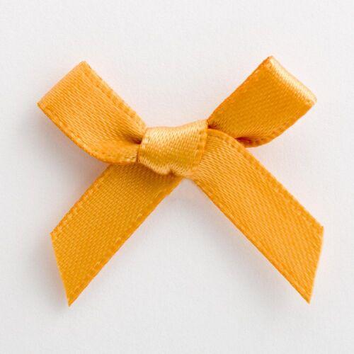 20 x 3cm Pre Tied Satin ribbon Bows /& foam sticker pad Crafts Embellishment