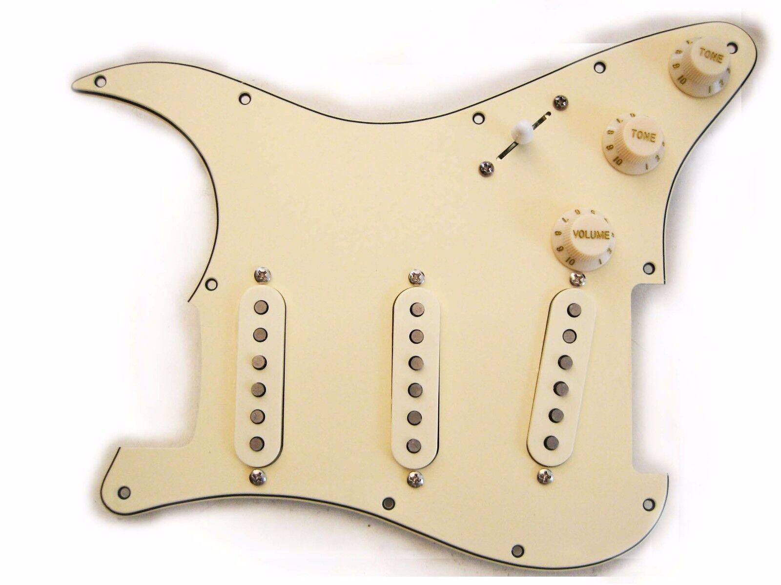 Fender Deluxe Antrieb Geladen Strat Schlagbrett Im Alter von Sahne 11 Or 8 Loch