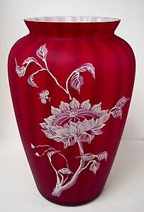 Fenton-Glass-Sunflowers-On-Amberina-Vase-Connoisseur-Collection-9-Family-Sigs