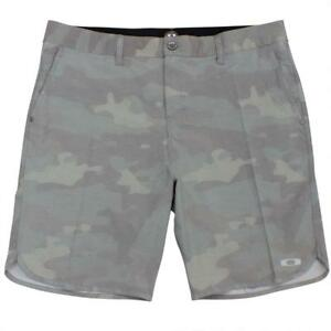 Oakley-Crater-Amphibian-Boardshorts-Mens-Size-32-M-Camo-Green-Casual-Shorts