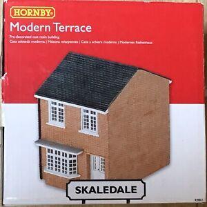 Appris Hornby Skaledale Oo Gauge R9801 Modern Terrace, Bnib Jouir D'Une Haute RéPutation Sur Le Marché International