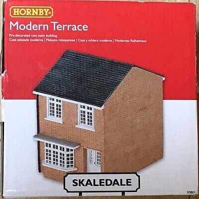 Hornby Skaledale Oo Gauge R9801 Modern Terrace