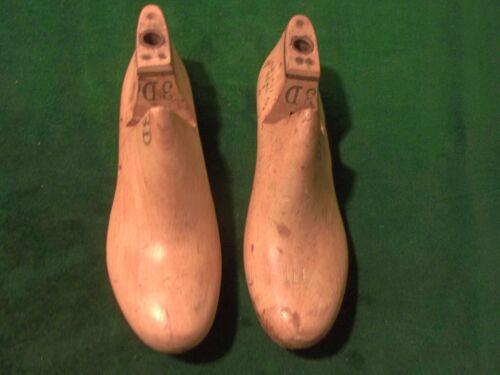 VINTAGE PAIR Wood Size 3 D #61 UNITED LAST DIV USMC Industrial Shoe Last  #747