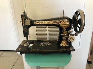 Singer machine date Antique Singer
