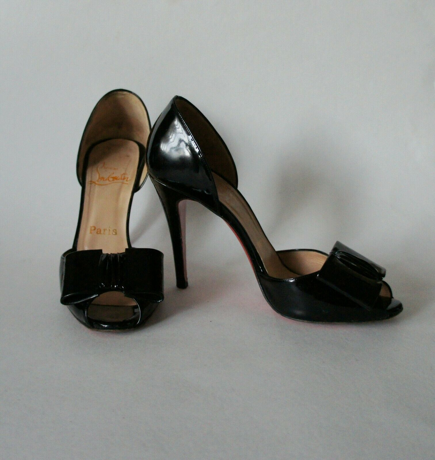 Auth CHRISTIAN LOUBOUTIN Black Patent Leather Pumps Size 37