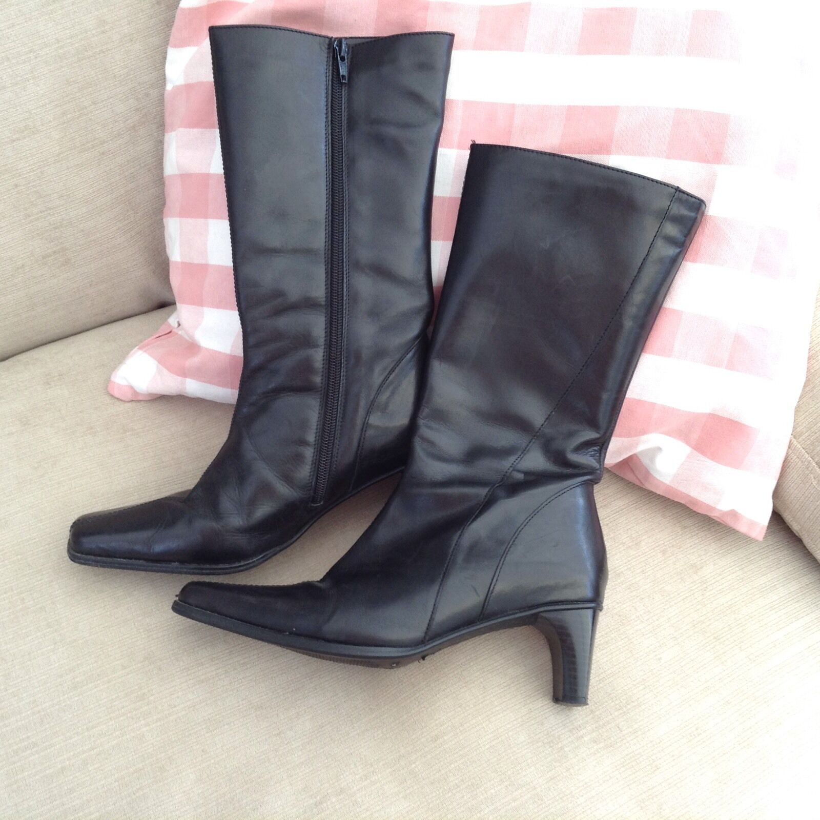BLACK LEATHER  MID CALF BOOTS SIZE UK 4 EUR 37