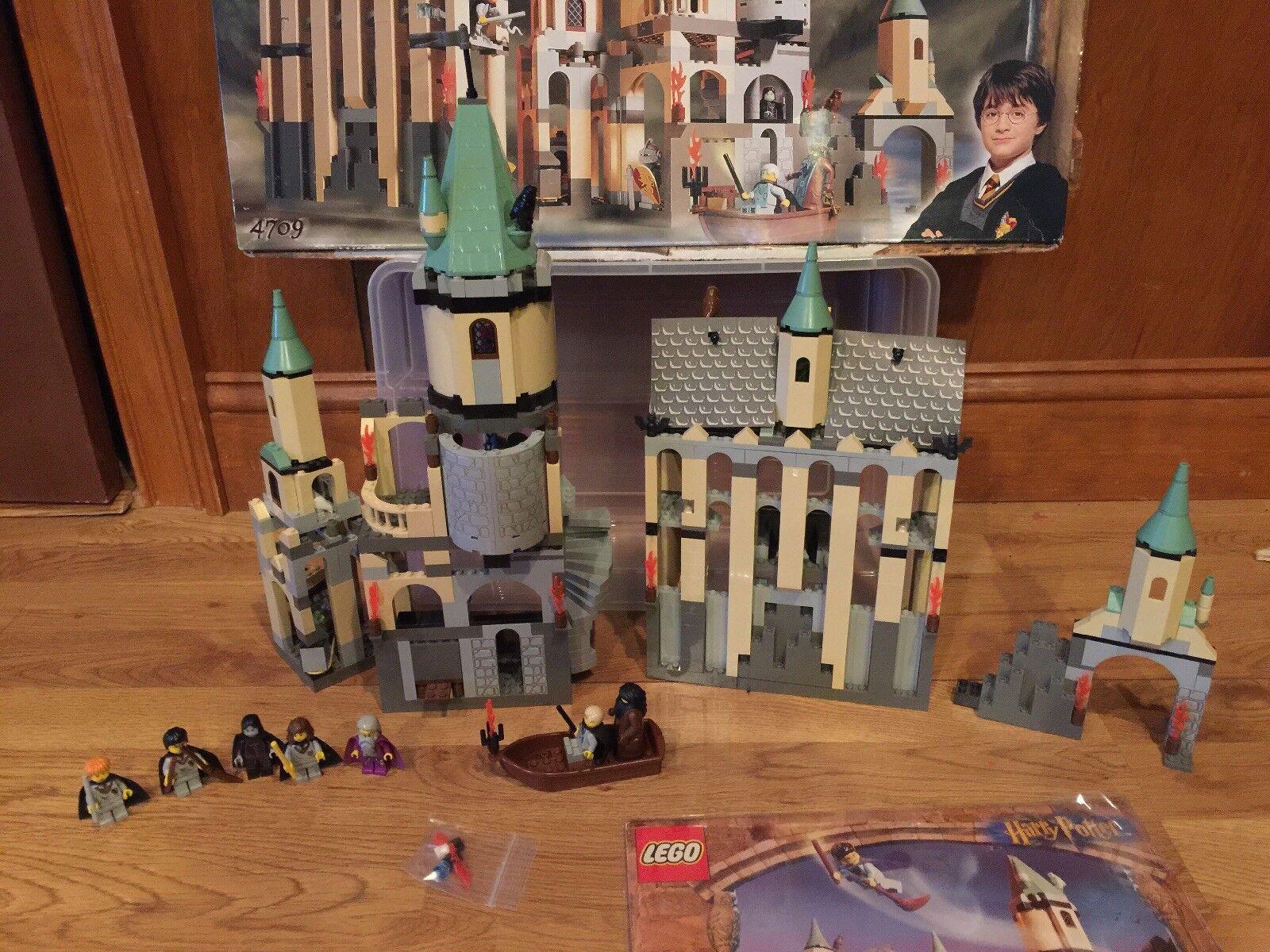 Lego Harry Potter 4709 Castillo de Hogwarts completo en caja con los manuales todas las minifiguras