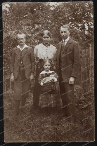 Foto-AK-Stuttgart-Frau-Mann-Happy-Family-Mädchen-Mode-um-1917-5
