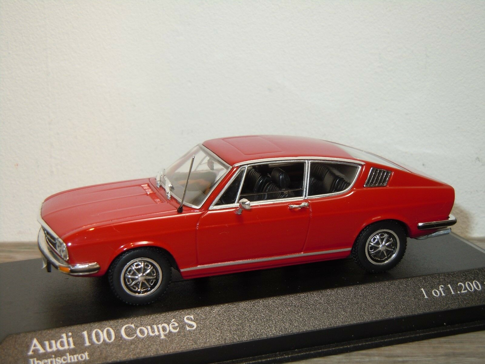 Audi 100 coupé s 1969 ­ 75 - minichamps 1 43 in kasten  34329