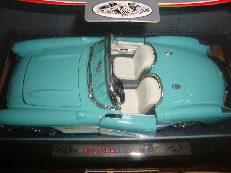 1957 Chevrolet Corvette---Heritage Mint LTD---Made In --1 24 24 24 Scale--7  Long 822a6f