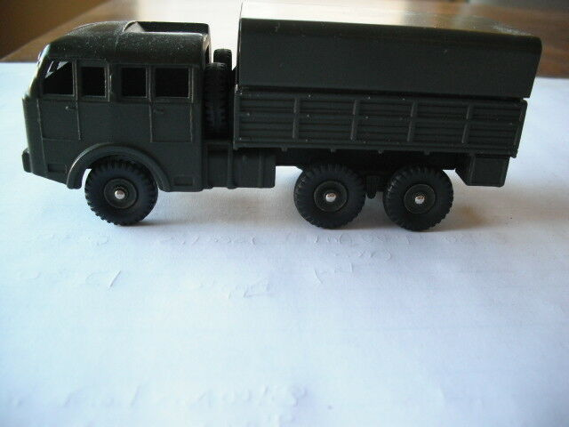Dinky Juguetes Militar Tous terrenos suministro camión transporte de tropas  818