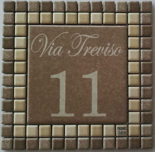 via incisi su piastrella di ceramica e mosaico Numero civico