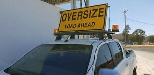 OVERSIZE-LOAD-AHEAD-PILOT-VEHICLE-ESCORT-ELECTRIC-MOTORISED-KIT-WITH-LED-BEACONS