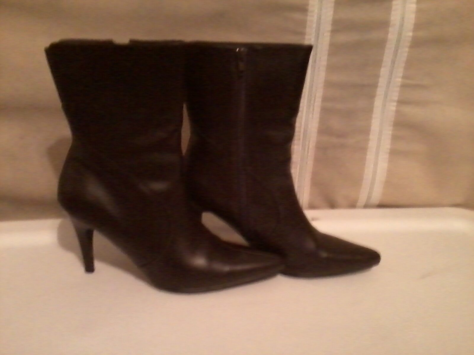 CHADWICKS SOLID BROWN LEATHER 3 IN. ANKLE BOOTS SIZE 8.5 MEDIUM WOMEN