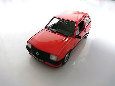 Opel Corsa 1//43 DeAgostini Ixo URSS Voiture de l/'Est CAR AUTO MODEL P190