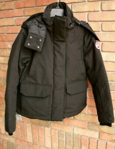 Canada-Goose-Blakely-Down-Parka-Small-Black-5804L-2018-19-MSRP-825
