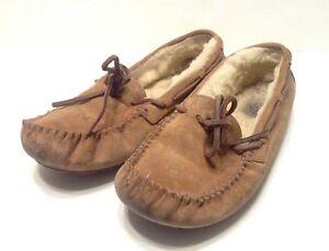 6f033d48f7b UGG Australia Women s Dakota slipper 5612 Chestnut Brown Size 7