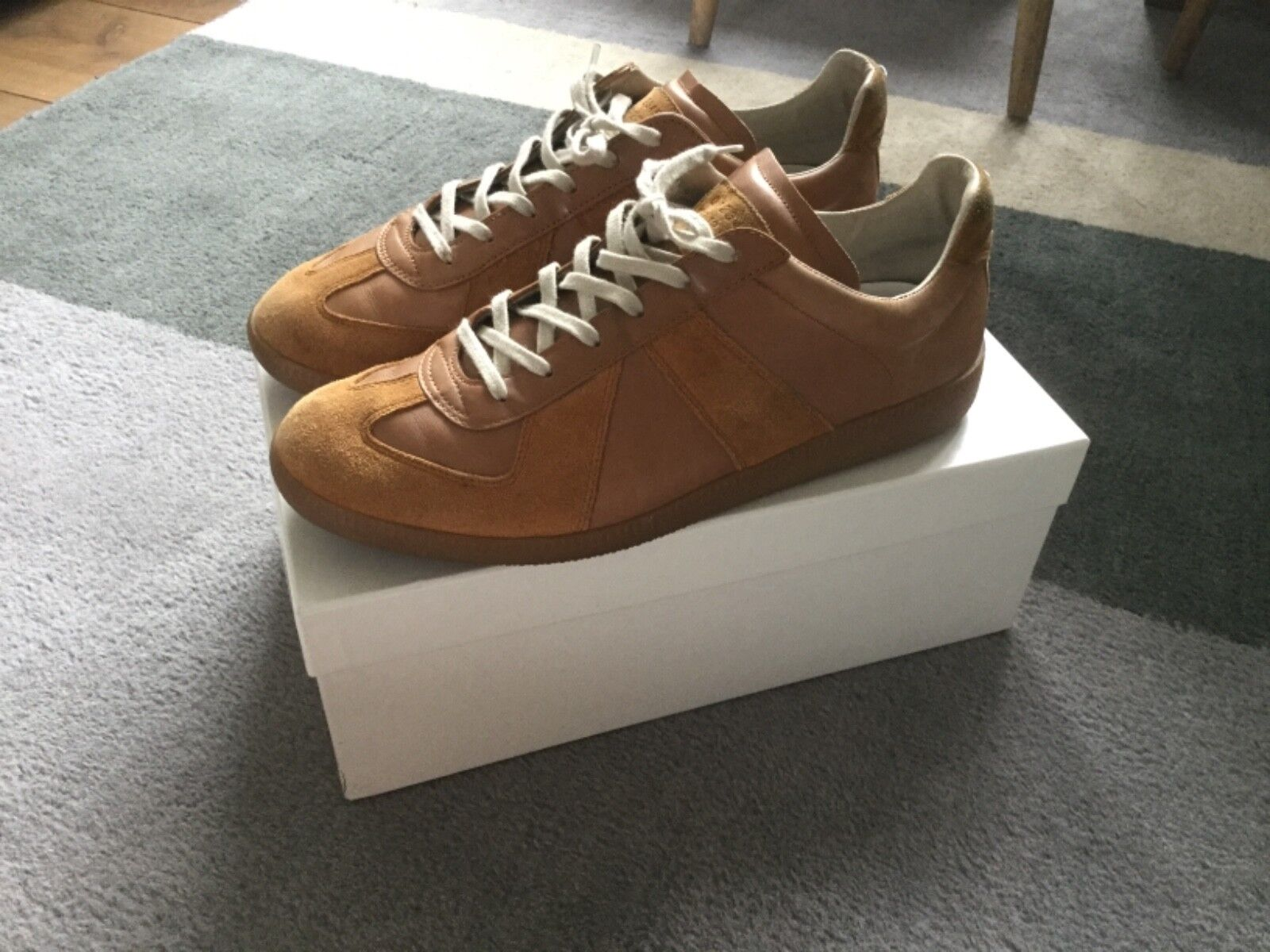 MARTIN MARGIELA 10 TRAINERS  SIZE IS 43 or