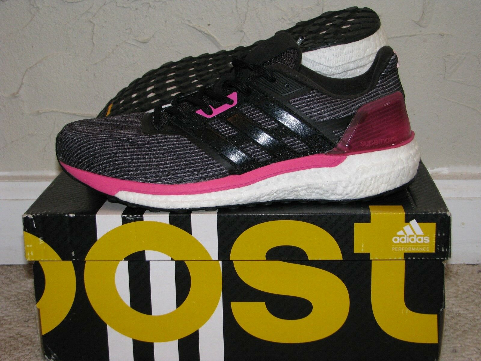 adidas Supernova Boost Utility Black / Shock Pink Womens Size 8.5 DS NEW! BB3483