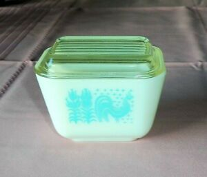 Pyrex BUTTERPRINT Turquoise 1.5 Cup Small Lidded Refrigerator Jar Casserole Dish