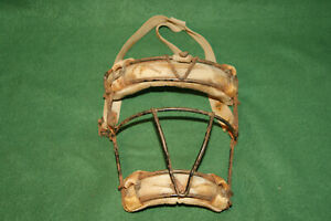 Nice-Vintage-Catchers-Umpire-Mask-leather-and-Metal-Ca-1950-s-Inv-LM144