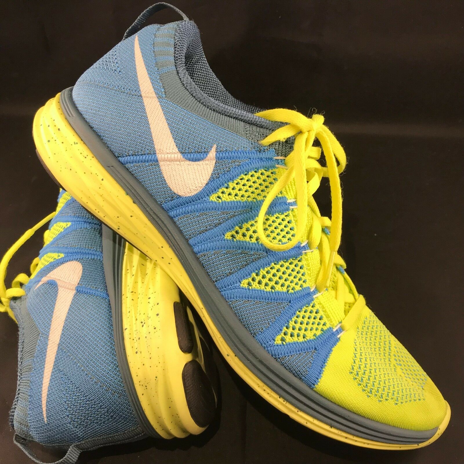 NIKE FLYKNIT LUNAR 2 RUNNING SHOES Mens SIZE 10 44 Blue Volt Yellow SAMPLE PROMO