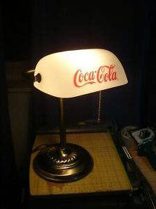 Vintage Coca Cola Metal Banker's Coin Bill Counting Desk Lamp White Glass Coke