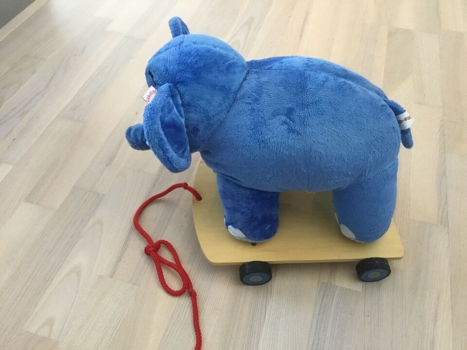 Andet legetøj, Lille Pers trækelefanf, Bodil