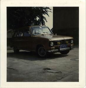 PHOTO-ANCIENNE-VINTAGE-SNAPSHOT-VOITURE-AUTOMOBILE-RENAULT-POLAROID-CAR