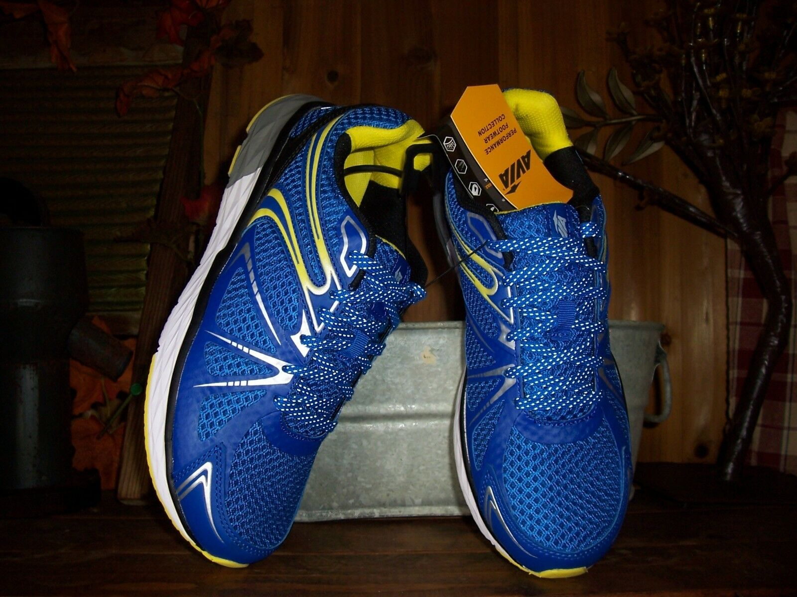 AVIA MENS ATHLETIC SHOES SIZE 12 blueE YELLOW CASUAL SNEAKERS LACE UP STYLISH NEW