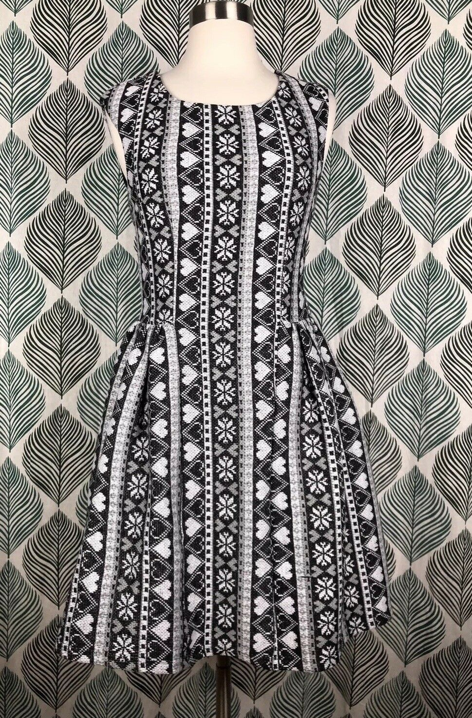 Fervour Modcloth Fit Flare Dress Heart Fair Isle Snowflake Print Size Small