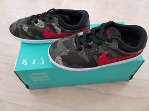 7cfe8f8a29 NIB Nike SB Eric Koston Canvas Boys Skate Shoes 654142260 Green Camo ...