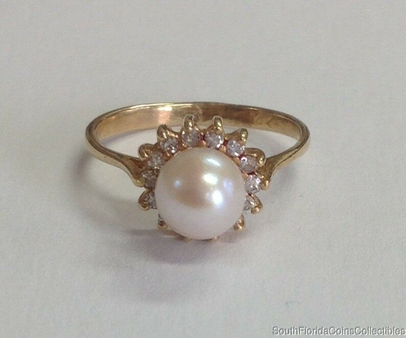 Estate Jewelry Ladies 6mm Cultured Pearl & Diamond Ring 14K Yellow gold Sz 5