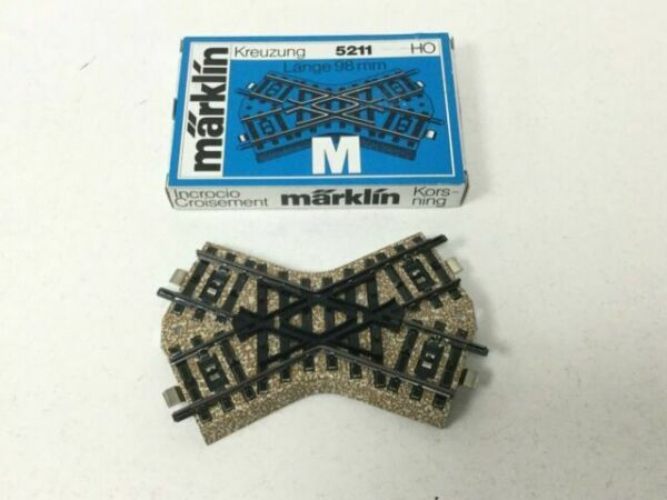 Boxed Marklin 5211 HO Gauge M Track Short Crossing
