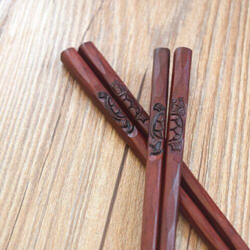 1 Pair Turtle Crane Carved Chopsticks Wooden Non Slip Sticks Set Gift OiRrE