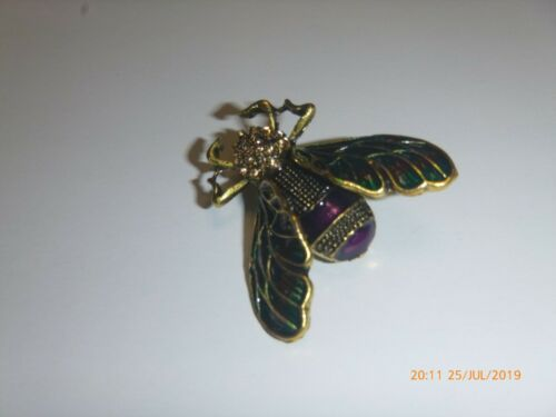 Fly Insect Rhinestone Brooch Lapel Pin Bright Gold Rainbbow Wings Steam Punk