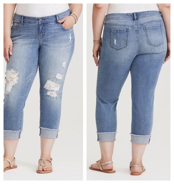 4c62df5d1ca Torrid Lace Underlay Cropped Boyfriend Jeans Light Wash Size  24  27957