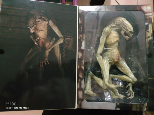 "Alien Resurrection Deluxe Newborn Xenomorph 11/"" Action Figure New in Box"