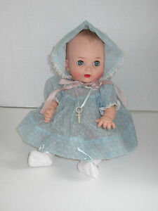 Vintage-Effanbee-My-Fair-Baby-13-Doll-w-Pacifier-Adorable-Dress-Bonnet-Set